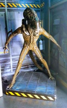 alien-sculpture-4-effects.jpg